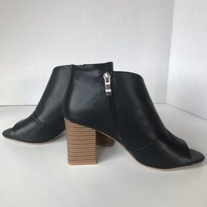 {Qupid} Ankle Cut Out Peep Toe Block Booties